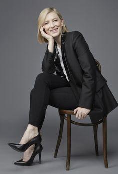 Picture of Cate Blanchett Headshot Poses, Portrait Poses, Female Portrait, Senior Portraits, Professional Headshots Women, Professional Photo Shoot, Professional Portrait Photography, Corporate Portrait, Business Portrait