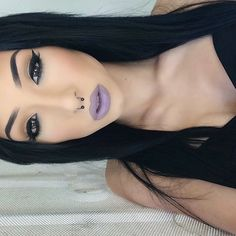 love her eye makeup, contour, and brows but I'm not a big fan of cool toned lips Flawless Makeup, Gorgeous Makeup, Pretty Makeup, Love Makeup, Skin Makeup, Makeup Inspo, Makeup Inspiration, Purple Makeup, Beauty Make-up