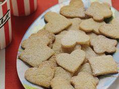 Galletitas de Aceite Ingredientes: Aceite 1 pocillo Huevo 1 Azúcar ¾ de taza... Sugar Candy, Cookies, Baking, Cake, Desserts, Paninis, Food, Desserts For Diabetics, Lemon Cookies