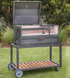 LA VACA TUERTA Diy Grill, Barbecue Grill, Parrilla Exterior, Outdoor Grill Station, Open Fire Cooking, Grill Design, Outdoor Kitchen Design, Welding Projects, Charcoal Grill