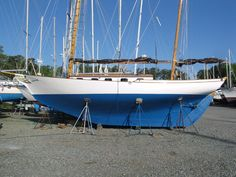 Boats for Sale Wooden Boats For Sale, Used Boat For Sale, Old Boats, Sail Boats, Classic Yachts, Boat Projects, Clawfoot Bathtub, Sailing Ships, Planes