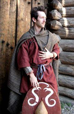 Celtic warrior (IV-III century b.C.) Wool and linen