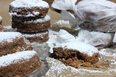 Polvorones de chocolate y almendra sin gluten