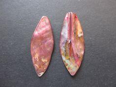 2 briolettes de Nacre 16x52x5 mm par lepetitmagaz sur Etsy
