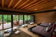 Spectacular Modern House Design Delights with Wood and Glass Architectural Elements