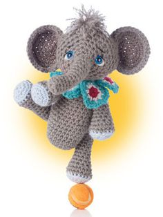 Inspired by the Japanese craft of Amigurumi, designer Teri Crews includes a cat, elephant, bunny, monkey, dog, hippo, giraffe and bear in this cuter-than-ever crochet book. Instructions include notes                                                                                                                                                                                 Mehr