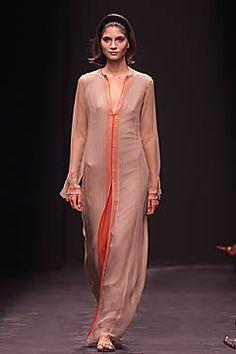 Alberta Ferretti Spring 2001 Ready-to-Wear Fashion Show - Alberta Ferretti