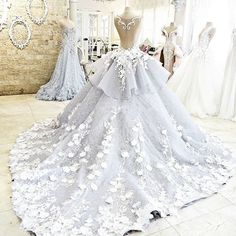 Retro Lace Empire Wedding Gowns Bridal Dresses Appliques Flowers Custom Made
