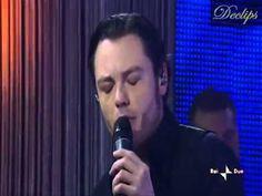 Tiziano Ferro Live Due IL regalo Più Grande Legenda BRhttp://youtu.be/Npf8NhTn7WA