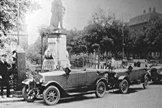 Ilyen is volt Budapest - Körönd, a Droszt Tivadar-féle taxiállomás Old Photos, Vintage Photos, Budapest Hungary, Good Old, The Past, History, Retro, Budapest, Old Pictures