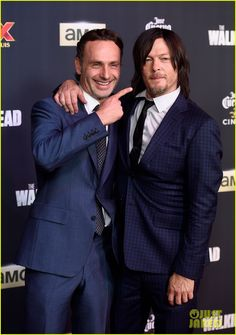 WHY ON EARTH WOULD YOU SHAVE YOUR BEARD???  Andrew Lincoln Teases Rick's Beardless Appearance at 'The Walking Dead' Season Five Premiere   andrew lincoln norman reedus walking dead season 5 09 - Photo