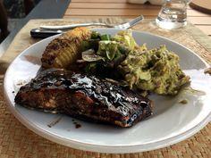 #Zalm in een #marinade van #balsamico, #honing, #mosterd, #knoflook en olijfolie met #oregano en wat zwarte peper.