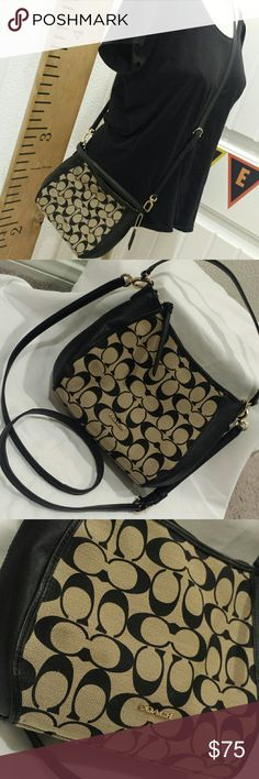 COACH CROSS BODY BAG ---price is firm---  Someone buy this before I keep it to myself! Coach crossbody bag/handbag  Basically new (used it out maybe a week) Coach Bags Crossbody Bags