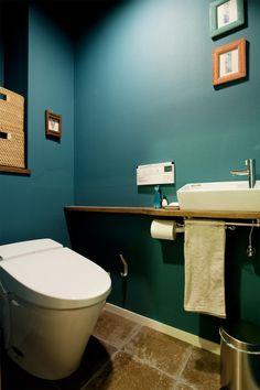 トイレ(N邸・大人も子どもも元気にワクワク遊ぶ家)- トイレ/バス事例|SUVACO(スバコ)