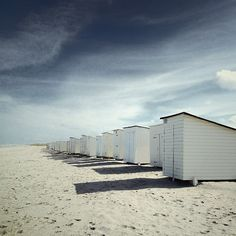 #vacantplaces #holland #beach #beachhouses #sand
