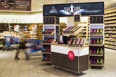 Douwe Egberts stand by studiomfd, Amsterdam visual merchandising store design