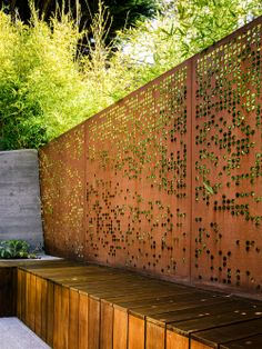 Corten Steel: 50 Very Trendy Garden Decor Ideas: Want to transform your garden into a pleasant and modern outdoor space? Consult our ideas of decoration with steel corten, a very trendy material! Modern Landscape Design, Modern Landscaping, Landscape Architecture, Architecture Design, Landscaping Ideas, Contemporary Landscape, Outdoor Landscaping, Design Patio, Urban Garden Design