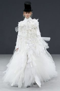 Brilliant - Some creative genius at work here...  Loved everything!!!!   Viktor & Rolf Fall 2016 Couture Fashion Show