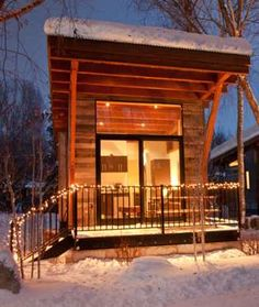 Simultaneously rustic and modern, this Jackson Hole cabin is a fun alternative to the standard ski l... - Mom.me