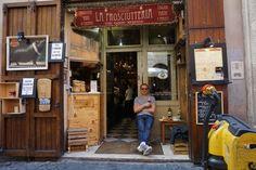 @LaProsciutteria great time here in #Rome #Trastevere happy pig #happytourist