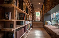 Image 14 of 34 from gallery of Witklipfontein Eco Lodge / GLH Architects. Photograph by Damien Huyberechts Design Minimalista, House Plans One Story, Unique Buildings, Ground Floor Plan, Green Architecture, Minimalist Design, Contemporary Design, Ramen, Interior Design