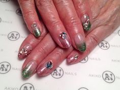 Bling bling Swarovski and glitter gradation nail art!!
