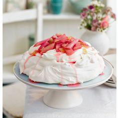 Rhubarb pavlova - pavlova on stand