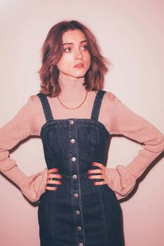 Actress Natalia Dyer Talks Stranger Things Season 2 - New Ideas Nancy Stranger Things, Stranger Things Season, Stranger Things Natalia Dyer, Pretty People, Beautiful People, Natalie Dyer, Looks Style, My Style, Alternative Rock