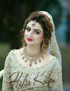 Pakistani Bridal Makeup, Pakistani Wedding Dresses, Indian Bridal, Bridal Dresses 2017, Bridal Outfits, Pakistan Bride, Bridal Makeover, Bridal Photoshoot, Bridal Pictures