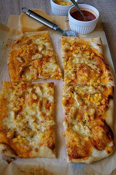 Pizza z kurczakiem i kukurydzą. Thermomix przepisy Frittata, Food And Drink, Pizza, Cheese, Cooking, Fitness, Gastronomia, Thermomix, Kitchen