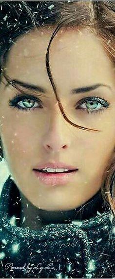 ❣️ƸӜƷ❣️❥‿✿⁀❤︎MC19♔✝♡ Most Beautiful Eyes, Stunning Eyes, Gorgeous Eyes, Beautiful Girl Image, Pretty Eyes, Cool Eyes, Gorgeous Women, Beautiful Pictures, Belle Silhouette