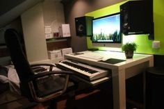 28 Home Recording Studio Design Ideas. Pick and select the studio for many of your movie wants. Soundproof recording studios also employ insulation in order to prevent noise. Some studios w. Home Recording Studio Setup, Home Studio Setup, Music Studio Room, Music Rooms, Home Studio Musik, Home Music, Diy Foto, Desk Setup, Pc Setup