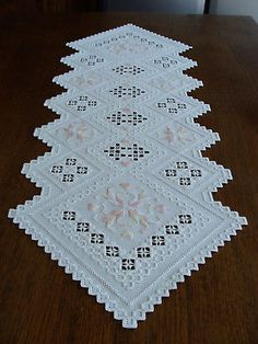 HARDANGER Embroidery –TABLE RUNNER * simply magical * - handmade -