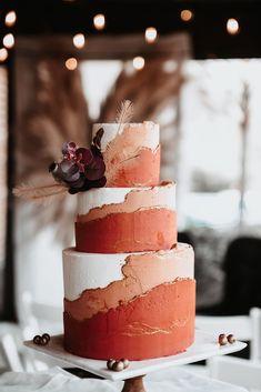 Pretty Cakes, Cute Cakes, Beautiful Cakes, Cake Trends, Winter Wedding Inspiration, Love Cake, Cupcake Cakes, Wedding Cake Cupcakes, Let Them Eat Cake
