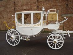 Ivory and Gold Horse Drawn Coach for Hire in Essex for your wedding www.essexweddingprofessionals.co.