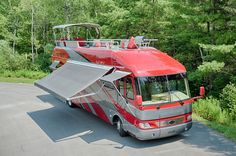 An Airstream mobile home with a jaw-dropping patio on top? Camper Caravan, Airstream Trailers, Campers, Camper Van, Camping In Pennsylvania, Luxury Motorhomes, Fiberglass Insulation, Rv Mods, Luxury Rv