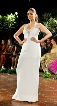 Aditi Rao Hydari Showing Bra-Free Cleavage In Sheer White Dress - PhotosCelebs LifeCelebrity News & Gossip | Movie Reviews, Songs & Videos | Bollywood-Hollywood Actress & Actors Updates |Celebslife.in