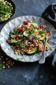 Geroosterde courgettesalade met spek en pijnboompitjes Roasted zucchini salad with bacon and pine nu Roasted Zucchini Salad, Roast Zucchini, Strawberry Soup, Pine Nut Recipes, A Food, Good Food, Vegan, The Fresh, Salads