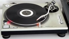 The Technics SL-1200MK2 (Old School Turntable)  Oh yes, oh yeas, Detroit!!!