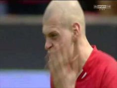 How do you warm up for a football match? A few laps of the pitch, some stretches or how about slapping yourself repeatedly in the face?  Well if it's good enough for Martin Skrtel...