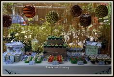 love this safari party by Taste of Luxury lots of neat ideas :-)