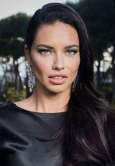 Adriana Lima, Brazilian Models, Celebrity Beauty, Celebrity Style, Alessandra Ambrosio, Fair Skin, Celebs, Celebrities, Beauty Women