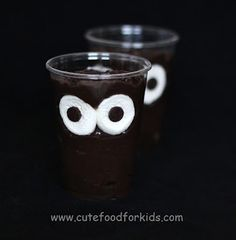 Cute Food For Kids?: Halloween Snack Idea: Monster In My Cup! Love this heres the blog to show you how to do it - http://www.cutefoodforkids.com/2012/09/halloween-snack-idea-monster-in-my-cup.html