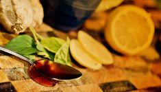 Σήμερα θα σας δείξουμε ένα πολύ απλό ποτό που μπορείτε να ετοιμάσετε εύκολα στο σπίτι. Χρησιμοποιήστε το για να κάψετε γρήγορα λίπος. Δείτε την συνταγή! Moscow Mule Mugs, Lime, Fruit, Tableware, Food, Limes, Dinnerware, Tablewares, Essen