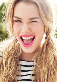 8 reasons why bright lipstick makes life better!