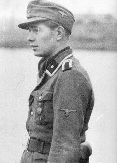 An Unterscharfuhrer of the Freiwilligen Legion Norwegen.