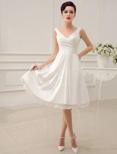 Fabelhaftes A-Linie-Brautkleid aus mit V-Ausschnitt kreuz und quer wadenlang in Elfenbeinfarbe Milanoo