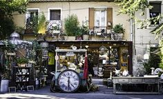 Antique hunters flock to L'Isle-sur-la-Sorgue in Provence: Antiques everywhere in L'Isle-sur-la Sorgue