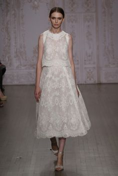 Monique Lhuillier Bridal Fall 2015 [Photo by George Chinsee]