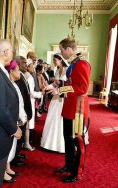 Kate & Wills in wedding receiving line